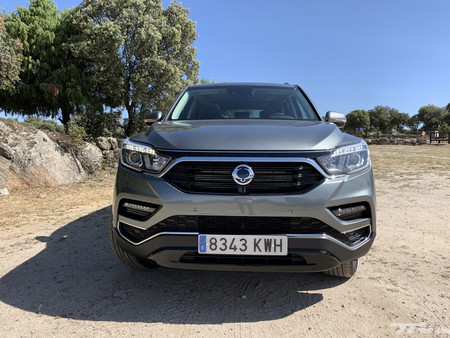 Ssangyong Rexton frontal