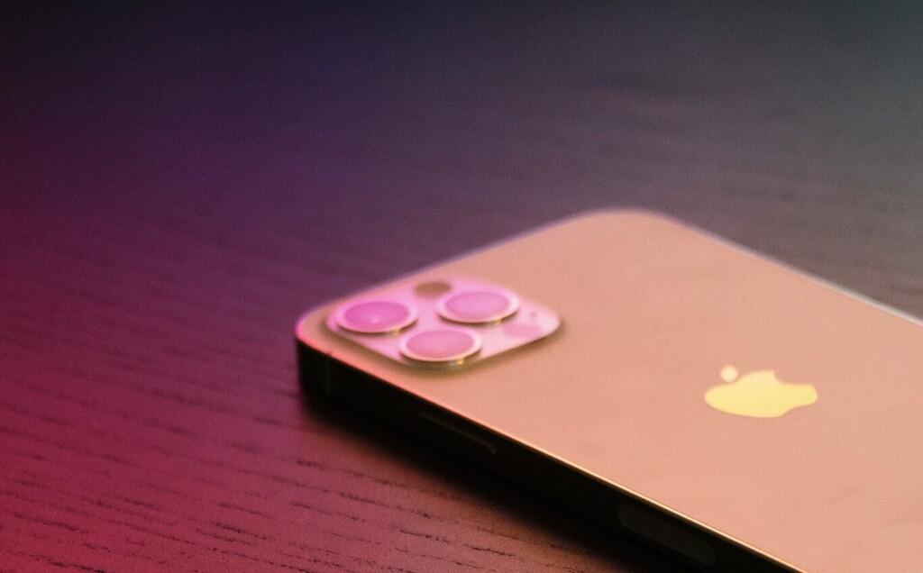 La cámara periscópica en el iPhone está un poco más cerca gracias a esta patente de Apple