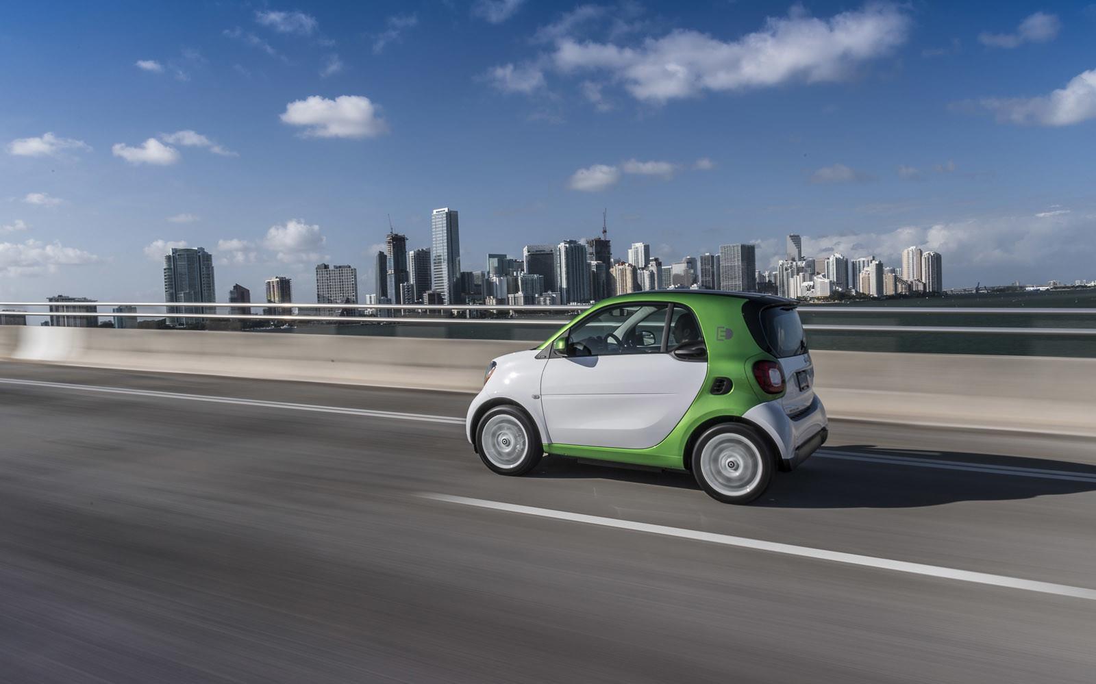 Foto de smart fortwo Electric Drive, toma de contacto (86/313)