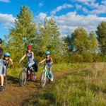 Niños en bicicleta, niños más sanos y felices