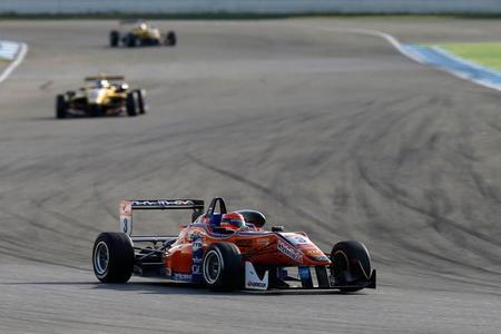 Lucas Auer F3 2014