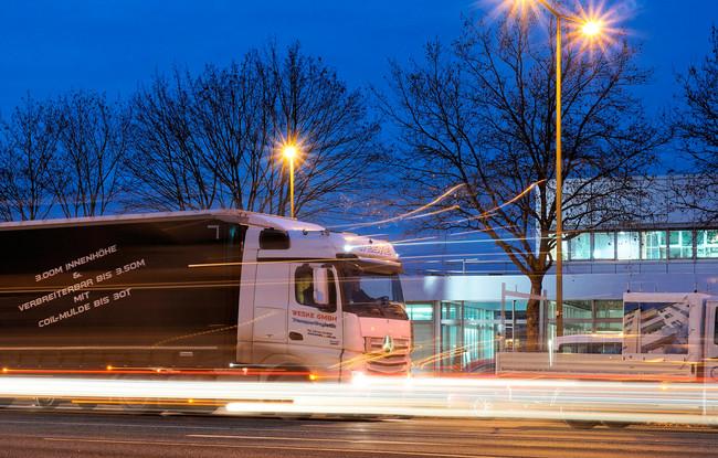 Los fabricantes denuncian la falta de electrolineras para camiones ante los próximos límites de emisiones