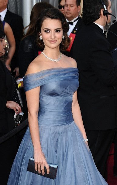 El look de Penélope Cruz en la alfombra roja de los Oscars 2012