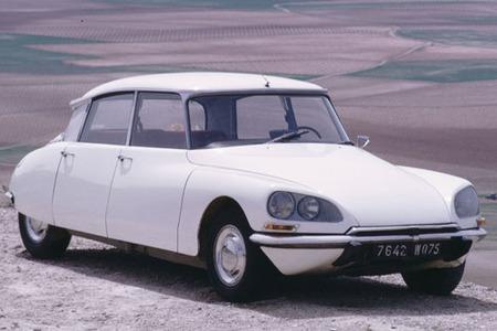 Citroën DS, el coche más bello de todos los tiempos según Classic & Sports Car