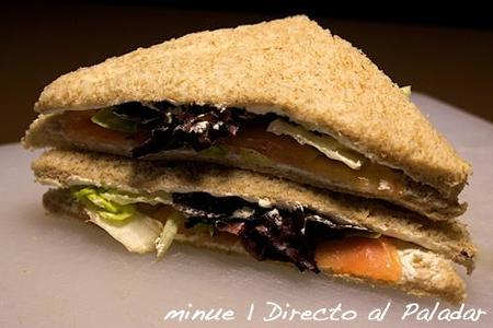 comida para llevar - sándwich de salmón ahumado