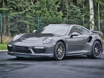 Parece que Mansory está más comedido, y este Porsche 911 Turbo Carbon lo demuestra