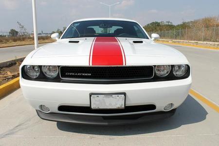 Dodge Challenger frente