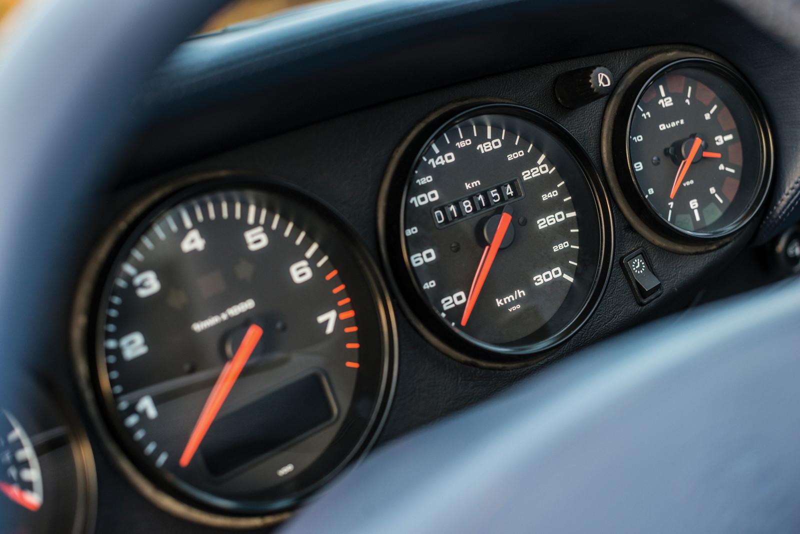 Foto de Porsche 993 Turbo Cabrio (12/18)