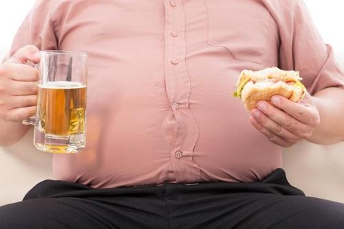 Hospitales ingleses se plantean limitar la cirugía rutinaria a fumadores y obesos