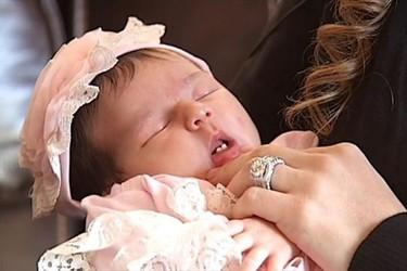 La bebé con más motivos para sonreír: ¡nació con dos dientes!