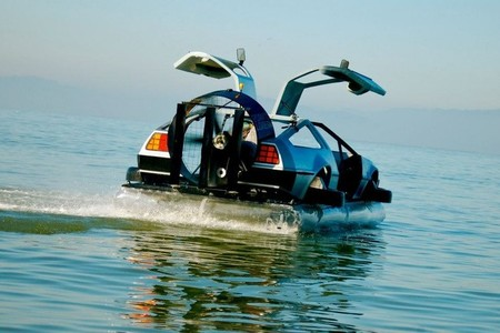 DeLorean Hovercraft de Matthew Riese