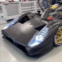 ¡Está vivo! El Glickenhaus SCG 007 para Le Mans da sus primeros pasos y muestra un concepto distinto al de Toyota