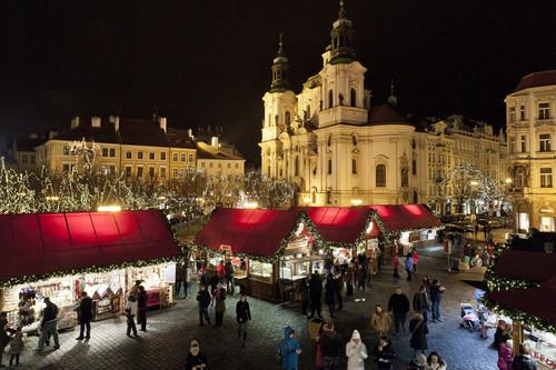 Navidades diferentes en la República Checa: osos, cabañas y arte urbano