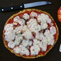 Falsa pizza con base de plátano: receta baja en hidratos