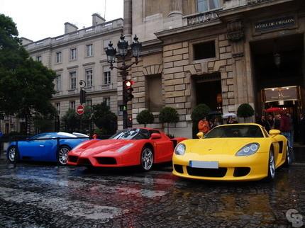Parchís en París: Porsche Carrera GT, Bugatti Veyron y Ferrari Enzo
