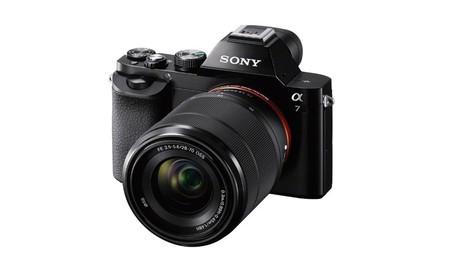También la primera generación: la Sony Alpha 7, con objetivo 28-70mm, en las ofertas de primavera de Amazon por 779,99 euros