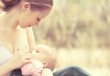 """Las mujeres que tienen una meta con la lactancia amamantan más que las que dan el pecho """"solo si todo va bien"""""""