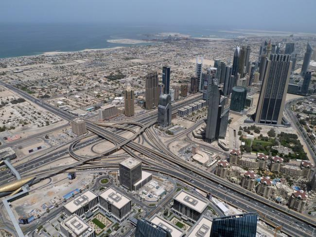 C mo visitar el edificio m s alto del mundo el burj for Edificio movil en dubai