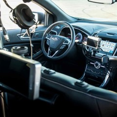 Foto 24 de 40 de la galería ford-edge-st-camera-car en Motorpasión