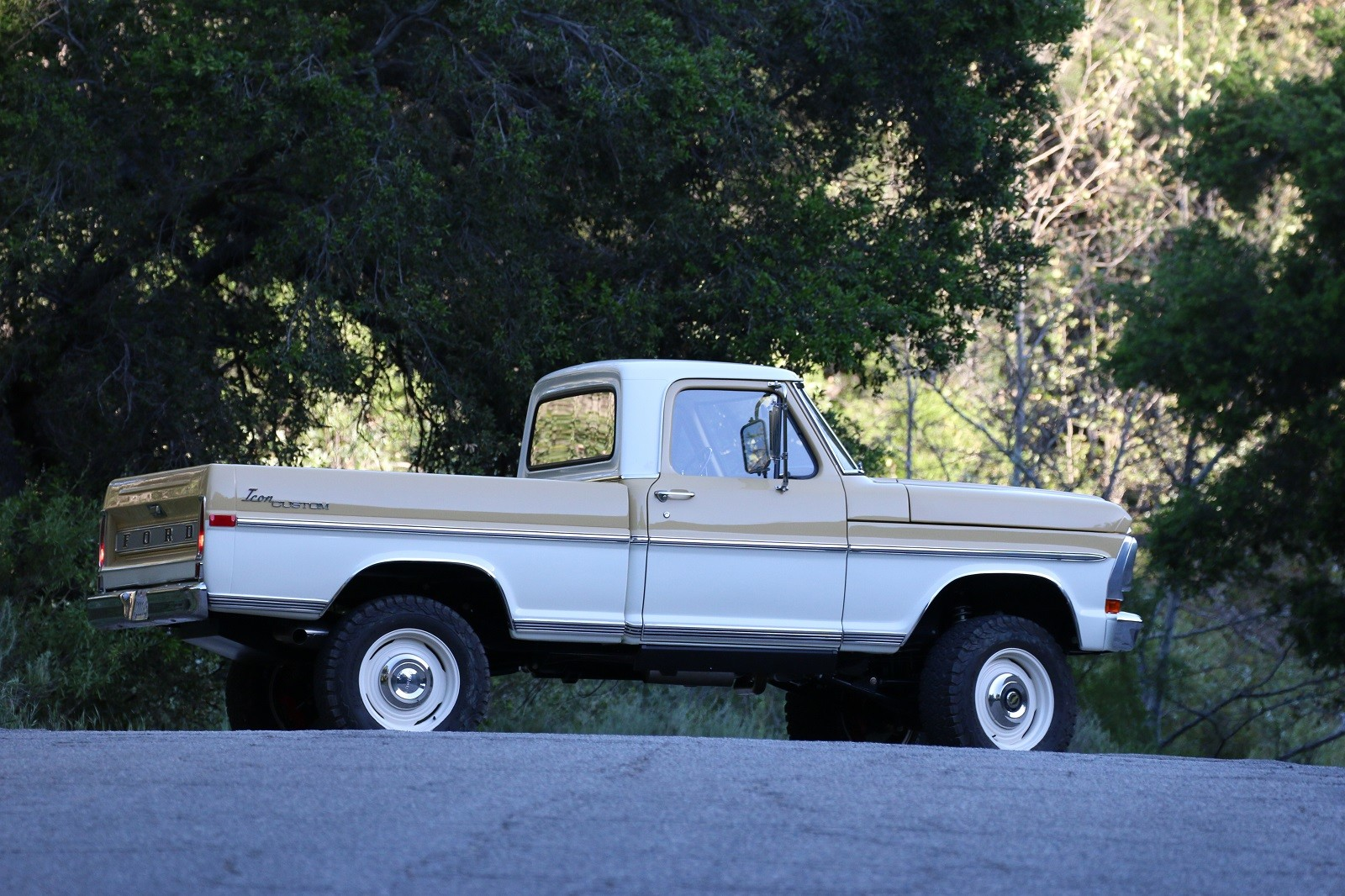 Foto de ICON 4x4 Ranger 1970 Reformer Series (5/38)