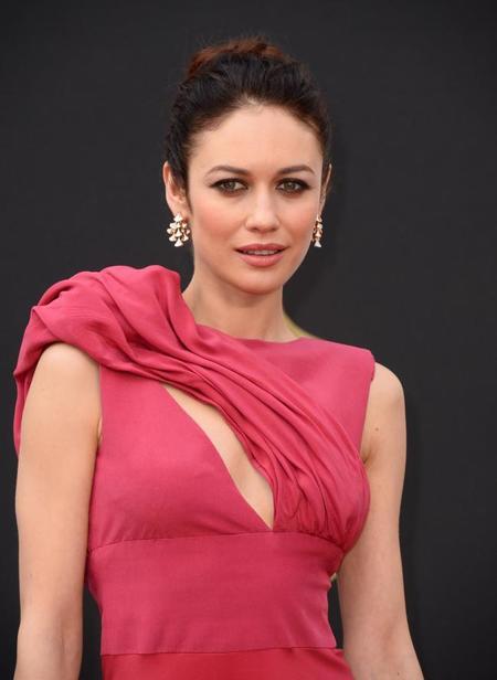 Olga Kurylenko, elegancia y sencillez sobre la Alfombra Roja de los Oscar 2014