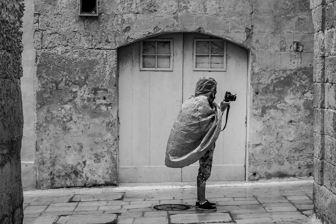 La regla del F8 en fotografía documental, de calle o viajes. Qué es y cómo sacarle provecho