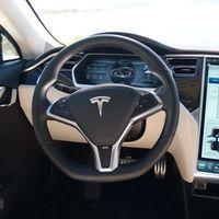 Apple contrata al ex vicepresidente de ingeniería de Tesla, Steve MacManus