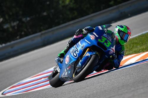 Enea Bastianini repite victoria en Brno para ser el nuevo líder del mundial de Moto2
