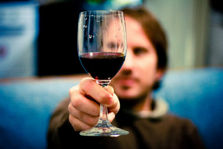 Cinco razones estéticas para controlar el consumo de alcohol
