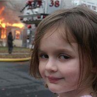 """El meme de """"Disaster Girl"""", vendido como NFT por su dueña, ahora adulta, por medio millón de dólares"""
