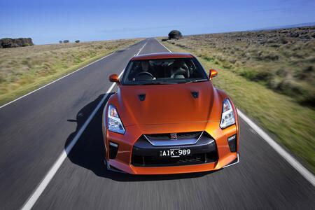 ¡Apartaos, que voy!  Las distancias son tan bestias en Australia que este médico quiere homologar su Nissan GT-R como vehículo de emergencia