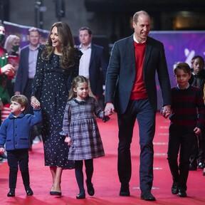 Kate Middleton y el príncipe Guillermo nos dejan una entrañable estampa con sus hijos en la alfombra roja