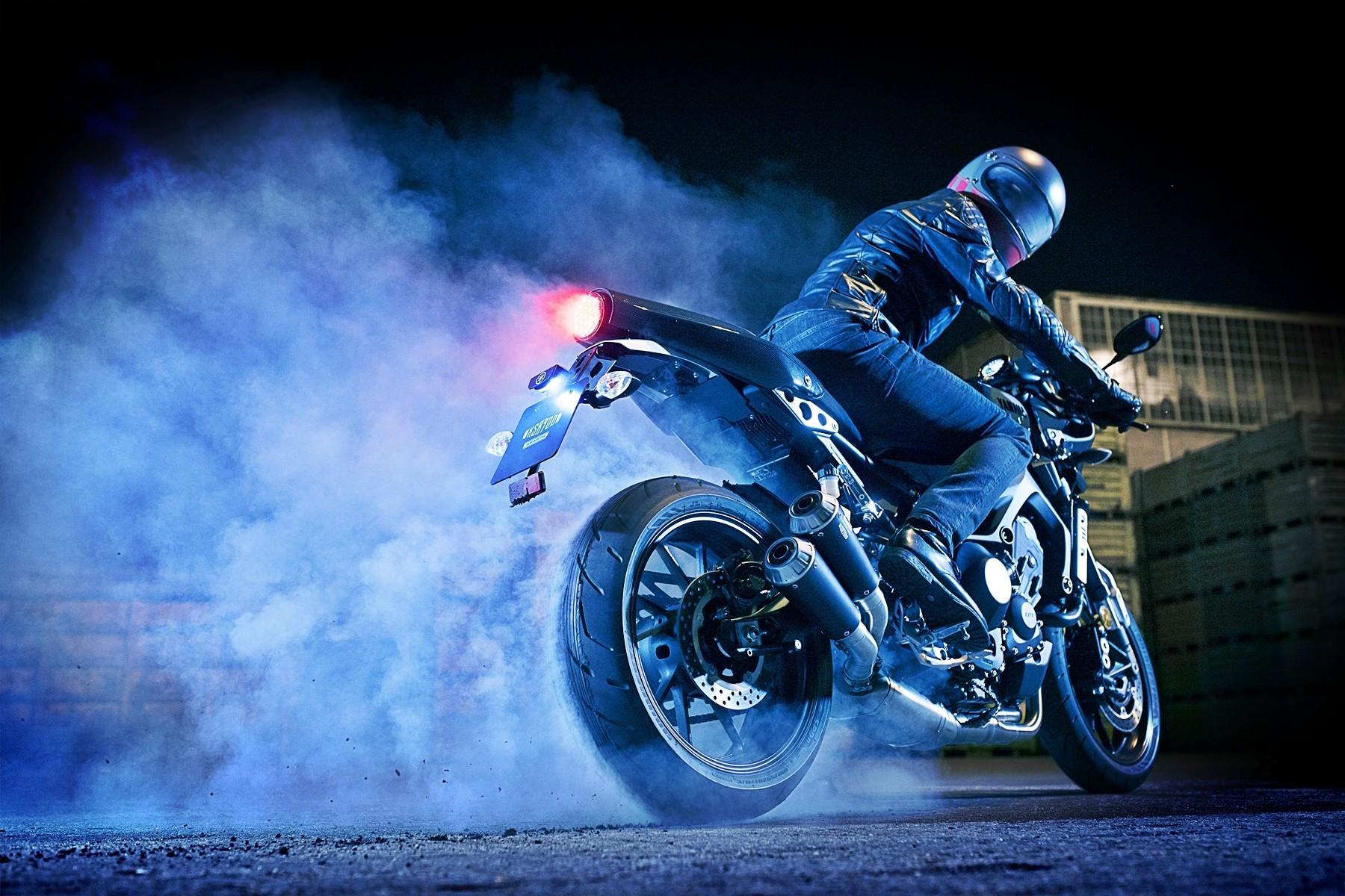 Foto de Yamaha XRS900 Abarth (7/38)