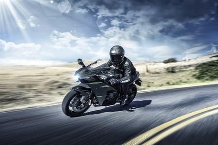 Kawasaki H2 Carbon 2019 001