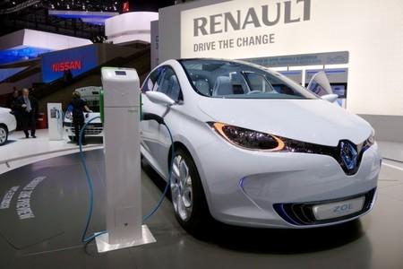 Castellón añade un nuevo punto de recarga semi-rápido para coches eléctricos