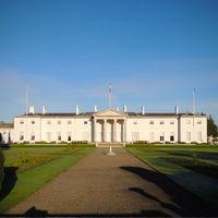 La Casa Blanca tiene una hermana pequeña, pero de tamaño mini y en Irlanda