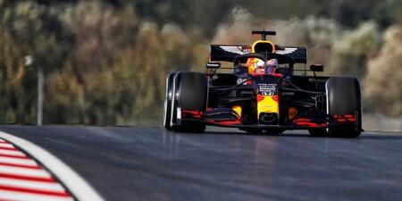 Max Verstappen manda en la pista de cristal de Turquía con un tiempo a tres segundos de la pole de 2011
