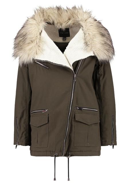 50% de descuento en Zalando en la  parka en color caqui Vinny de New Look: cuesta 39,95 euros con envío gratis