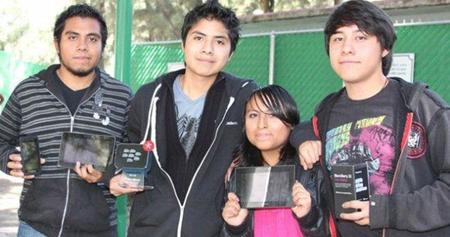 Estudiantes de la UNAM ganan en el Reto BlackBerry México
