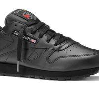 Las zapatillas Reebok Classic Leather en negro pueden ser nuestras por 39,95 euros en Amazon