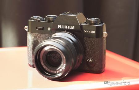 Fujifilm X-T30, toda la información, toma de contacto y muestras de la nueva evil de tamaño reducido pero prestaciones avanzadas