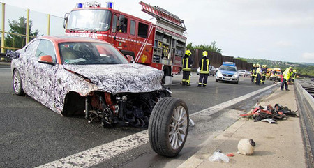 Se estrella un prototipo del BMW Serie 2 en una Autobahn alemana