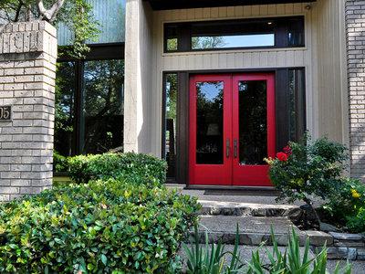 17 ideas para pintar de rojo la puerta de tu casa