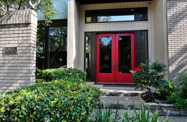 Moderna Puerta Roja 09