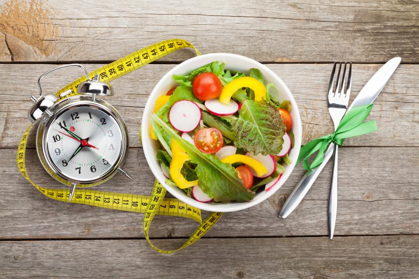 preparación de comidas saludables para bajar de peso con un presupuesto