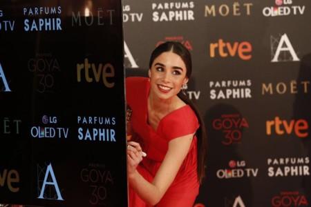 Candela Serrat de rojo y con un diseño de Vionnet en los Goya 2016