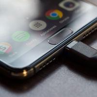Google podrá cobrar en Europa hasta 40 dólares por teléfono a los fabricantes que usen sus apps, según documentos filtrados