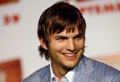 'Dos hombres y medio' continuará el año que viene con Ashton Kutcher sustituyendo a Charlie Sheen