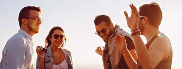 Más allá de Tinder: apps para conocer gente sin tener que buscar ligue (necesariamente)