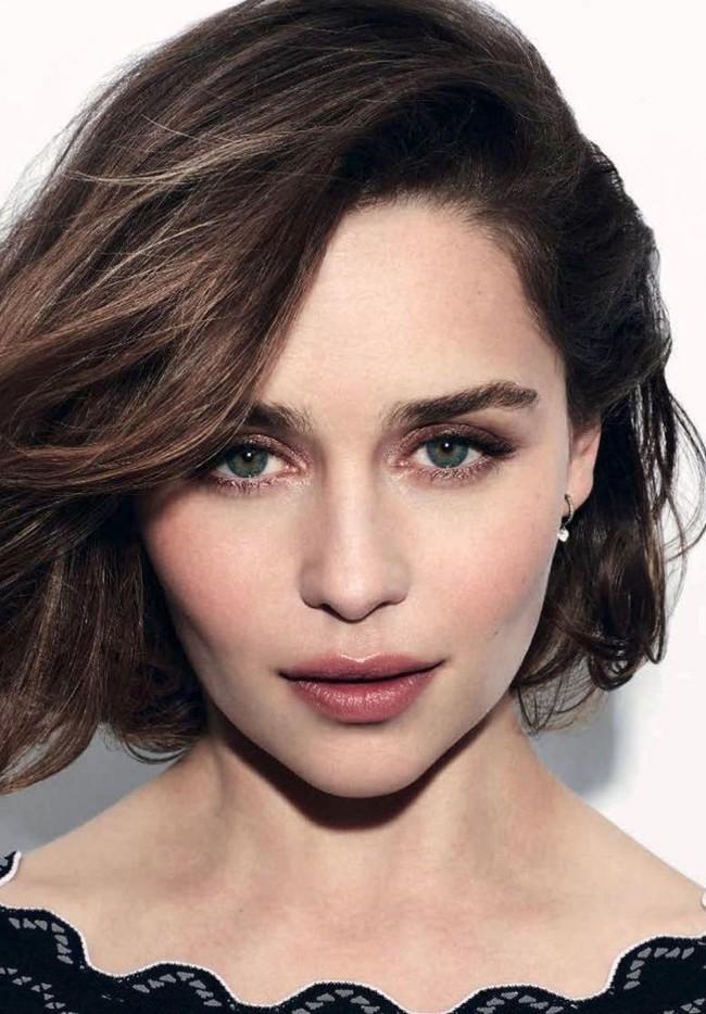 Emilia Clarke Dolce Gabbana